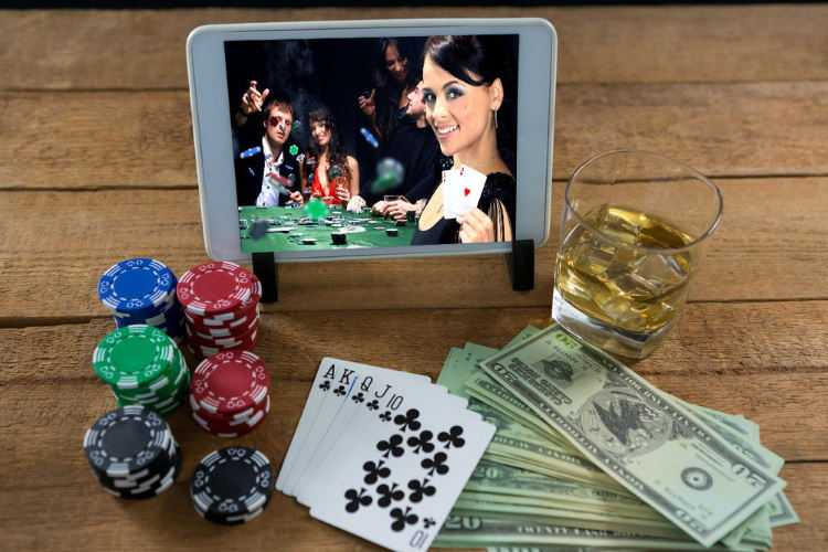 Advantages of Playing for Real Money Online