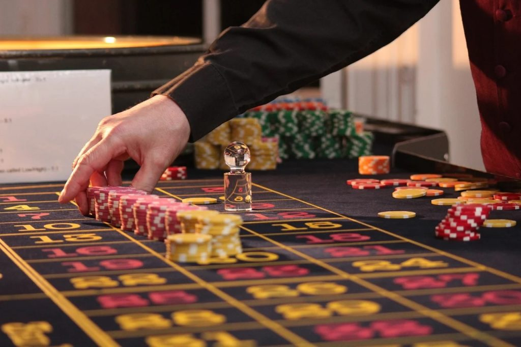 CASINO GAMES EXPLAINED IN DETAILS