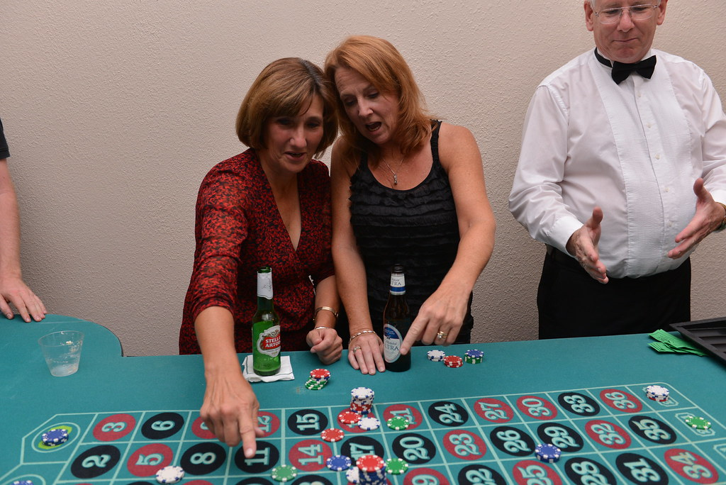 Here is The Reason Behind The Craze Of Playing Casino Game