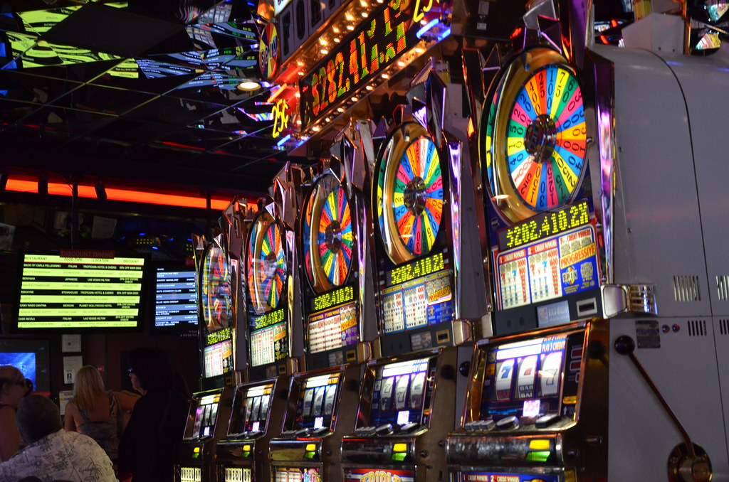 Taking Advantage of the Online Slots to earn money